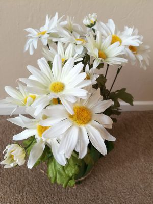 Lovely White Faux Flower Potted Plant Home Decor for Sale in Sunnyvale, CA