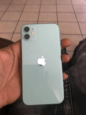iPhone 11, 128 GB, unlocked for Sale in Milwaukee, WI