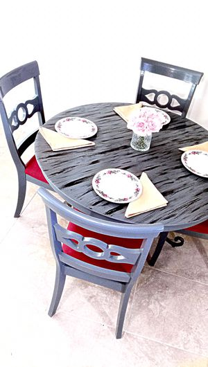Weathered grey drift wood dining table and 4 chairs. MAKE OFFER for Sale in Delray Beach, FL