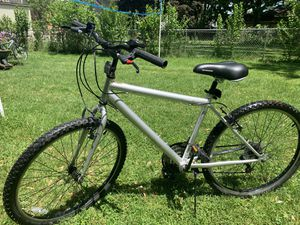 """26"""" ADULT MOUNTAIN BIKE 15speed $100 for Sale in Cleveland, OH"""