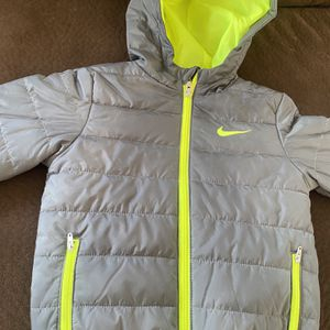 two new jackets and the green Nike once used is almost new I only ask 10 dollars each for children from 1 to 5 years for Sale in Hoquiam, WA