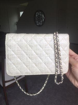 Auth CHANEL Tweed Wallet On Chain Crossbody Bag for Sale in Rowland Heights, CA