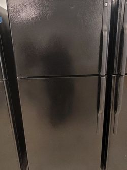 Ge Top Freezer Refrigerator Used Good Condition With 90day's Warranty for Sale in Washington,  DC