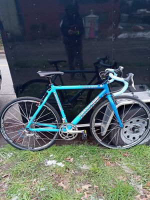 2004 CANNONDALE CYCLOCROSS 700C Road Bike 56cm for Sale in Wenatchee, WA