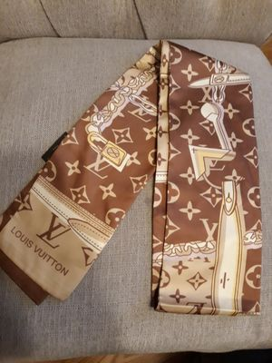 Louis Vuitton bandeau scarf new without tag for Sale in Willow Springs, IL