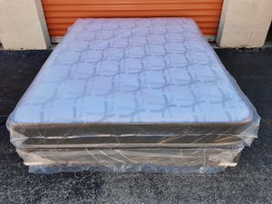 QUALITY QUEEN SIZE MATTRESS AND BOX SPRING AVAILABLE FOR DELIVERY for Sale in Lake Worth, FL