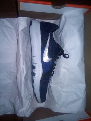 Size 7 W NIKE FLEX TRAINER 8 PRM for Sale in Reedley, CA