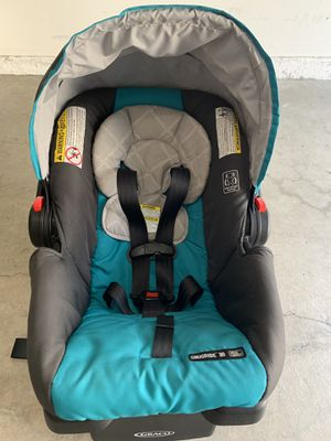 Graco snugride baby car seat for Sale in Irvine, CA