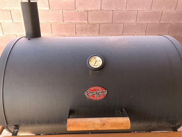 "BBQ Grill ""Charcoal "" in great condition used just a few times NO DELIVERY"