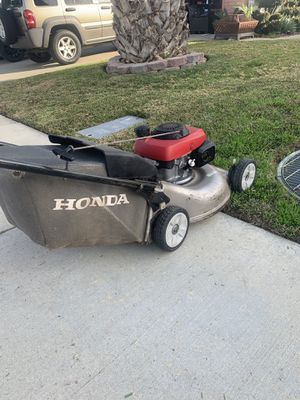 Honda Lawn Mower! Self Propelled! In Working Condition! Works Like A Champ! for Sale in Chino Hills, CA