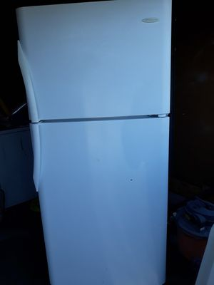 Clean refrigerator for Sale in Whittier, CA