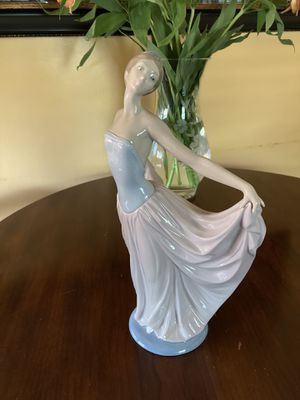 """Lladro """"Dancer"""" Woman Figure for Sale in Dunedin, FL"""