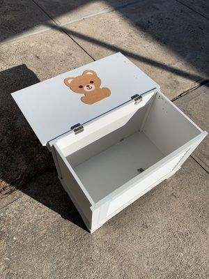 Kids toy chest for Sale in Queens, NY