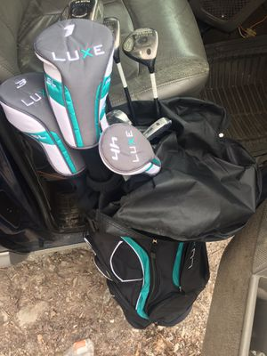 Luxe Wilson golf clubs for Sale in Chicago, IL
