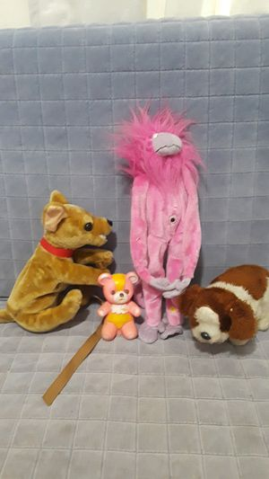 Or toys three stuffed animals to that move one plastic one stuff that does not Loop for Sale in Azusa, CA