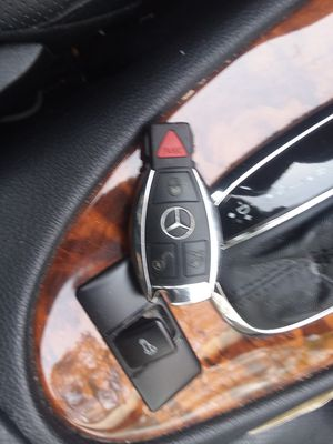 2008 Mercedes Benz E350 key fob for Sale in Kensington, MD
