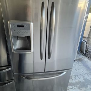Maytag Stainless Steel Refrigerator / delivery Available for Sale in Tampa, FL