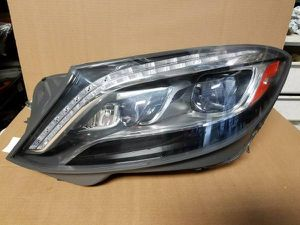 2014 to 2017 Mercedes s550 w222 headlights and other parts for Sale in Fontana, CA