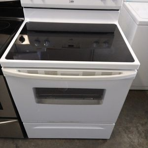 Like New Glass Top Stove for Sale in Pompano Beach, FL