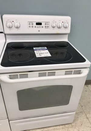 Ge white glass top range oven stove for Sale in Denver, CO