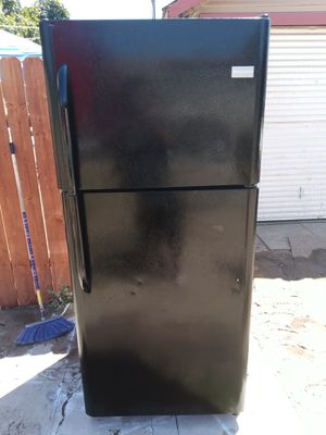 Beautiful black fridge for Sale in San Bernardino, CA