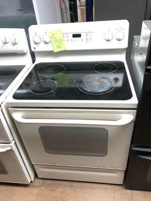 GE beige electric stove for Sale in Woodbridge, VA