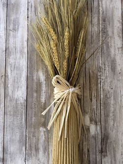 Faux Wheat Bundle Decor - 2ft tall for Sale in Troup,  TX