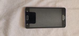 Samsung Galaxy On5, 16 GB Good Condition, Just the back case is cracked! for Sale in Sacramento, CA