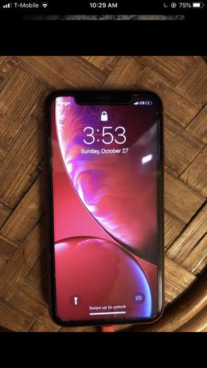 iPhone XR Red for Sale in Carnegie, PA