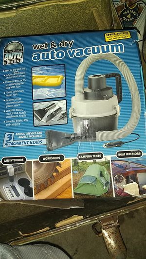 ShopVac wet and dry auto vacuum. Must have!! for Sale in Marion, IN