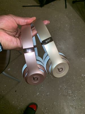 BEATS SOLO 3 for Sale in Cleveland, OH