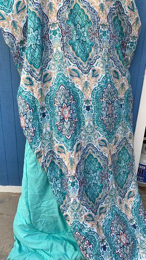 Queen comforter for Sale in Pomona, CA