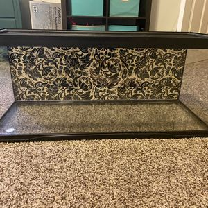 20 Gallon Glass Tank With Reptile Screen Top (ZooMed Brand) for Sale in Paso Robles, CA