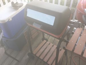 MECO Electric BBQ Grill with Wood Side Tables and Wire Shelf for Sale in Saint Petersburg, FL