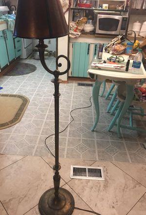 Lamp/ floor for Sale in Lodi, CA