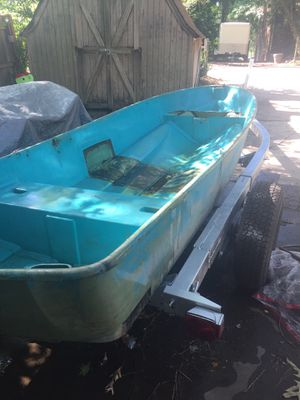 12ft fiberglass jon boat for Sale in Virginia Beach, VA
