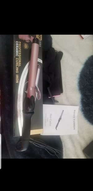 Purodi professional ceramic curling iron 25mm $ 5 firm price for Sale in Ontario, CA