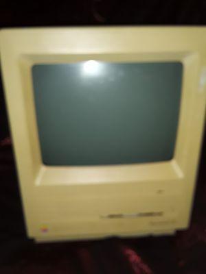 Apple Macintosh SE vintage computer antique for Sale in St. Louis, MO