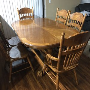Table for Sale in Federal Way, WA