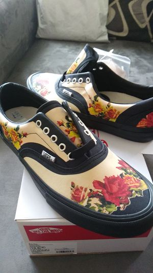 Supreme vans gaultier shoes 10.5 flower floral for Sale in Daly City, CA