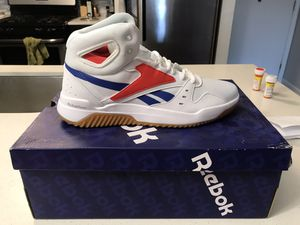 Reebok BB OS Mid Mens (New in Box) for Sale in Canton, MI