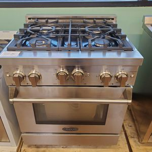 "Cosmo 30"" Pro Style Gas Slide In Range for Sale in Orange, CA"