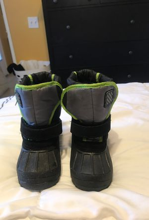 Toddler snow boots for Sale in Hemet, CA