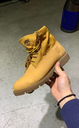 Timberland boots size 9 for Sale in Los Angeles, CA
