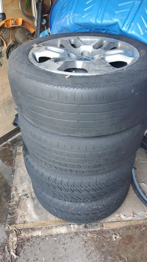2007 Honda odyssey tires with sensors. for Sale in St. Louis, MO