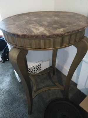 Maribel table for Sale in Cleveland, OH