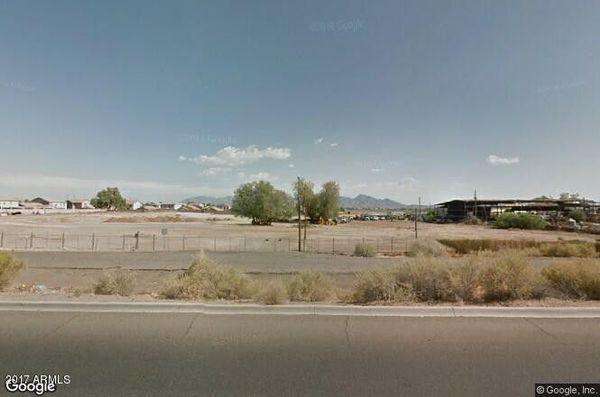 Vendo 7 Acres en Avondale sobre la Buckeye rd y la Avondale Blv. 90,000 por acre OBO