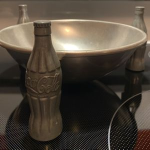Metal Cocoa Cola Pretzel Bowl for Sale in Valrico, FL