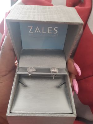 Diamond earrings for Sale in Chicago, IL