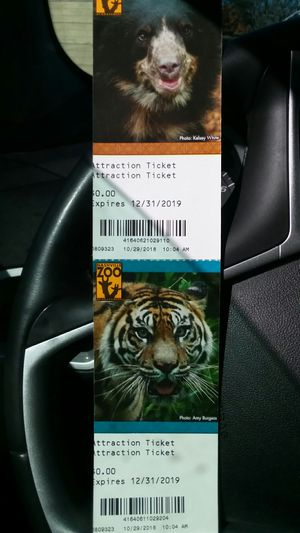 2 tickets Nashville zoo for Sale in Adams, TN